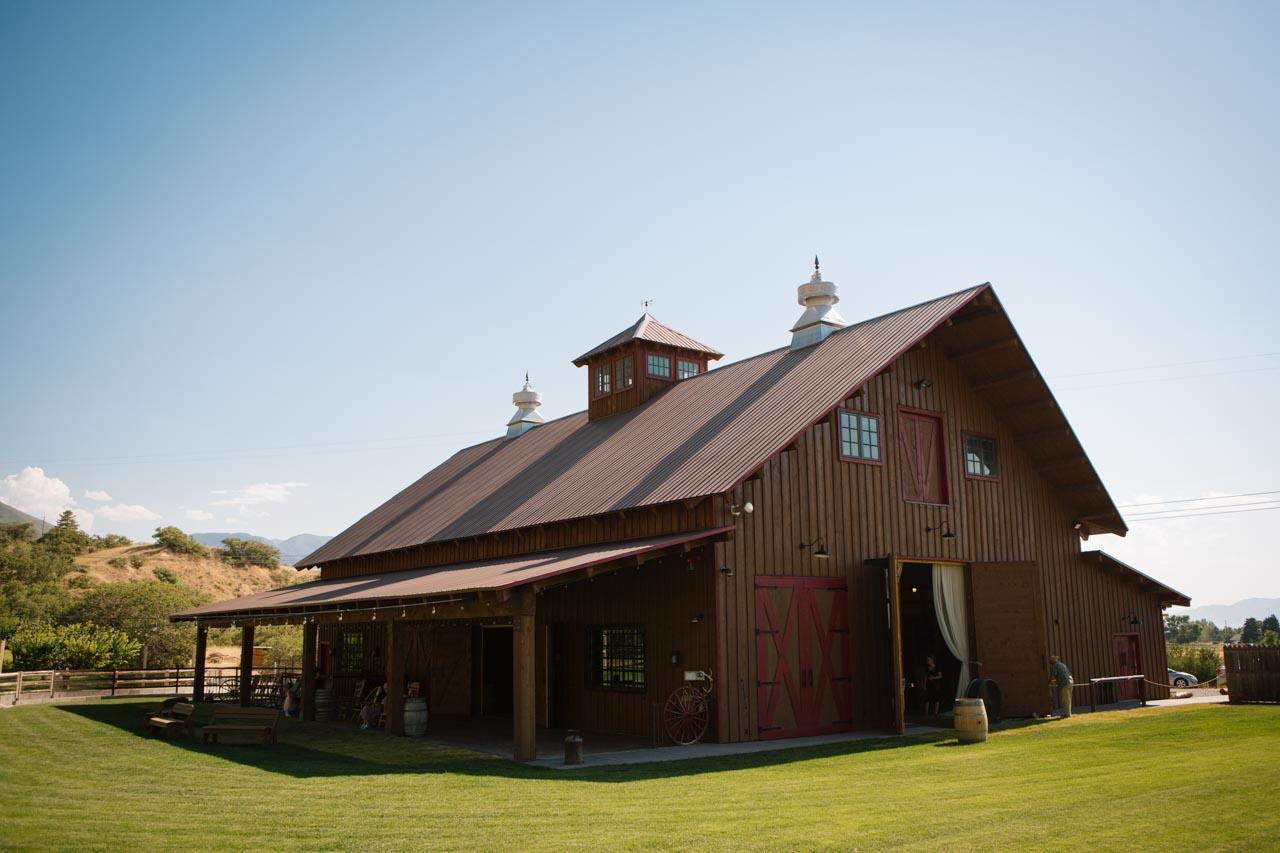 Exterior view of Quiet Meadow Farms rustic wedding barn.